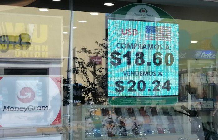 Dólar se mantiene arriba de los 20 pesos