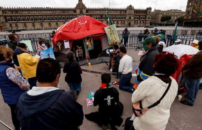 Frena vuelve a rezar para que México sea libre de amlo