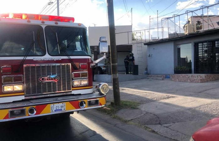 Alertan a bomberos por incendio en óptica, era sanitización