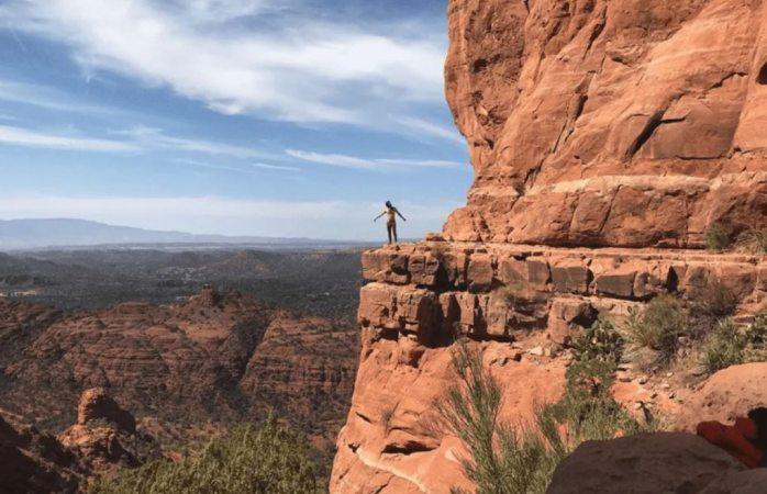 Muere excursionista al caer de acantilado de 30 metros