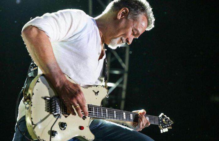 Subastan dos guitarras del legendario eddie van halen