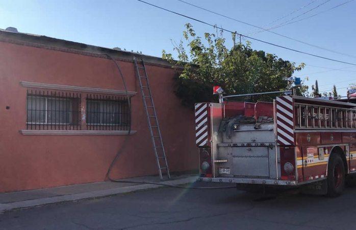 Se les quema aire acondicionado y moviliza a bomberos