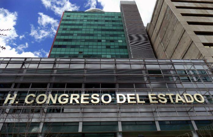 Cancelan sesión del congreso por semáforo rojo