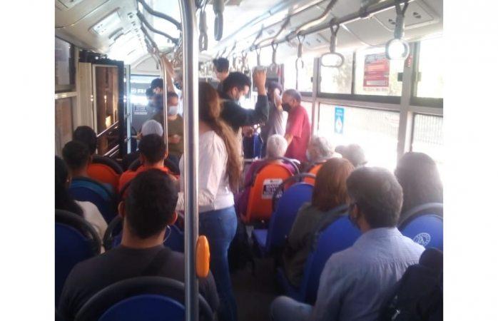 Denuncian urbano repleto de pasajeros en ruta troncal