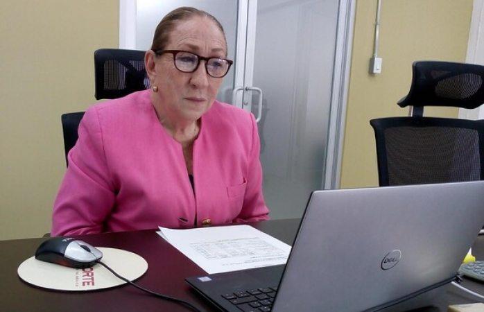 Participa tesorera municipal en análisis de presupuesto federal