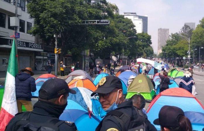 Amlo viola derechos de manifestantes de frena: calderón