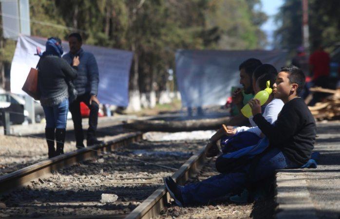 Reportan pérdidas millonarias por bloqueos a vías de tren en michoacán