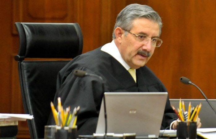 Propone ministro declarar inconstitucional consulta de juicio a expresidentes