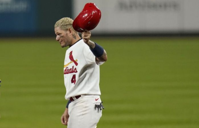 Llega molina a 2.000 hits; cardenales se imponen