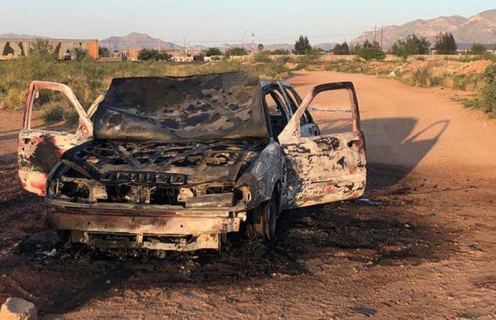 Arde auto cerca de la deportiva sur