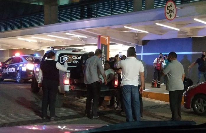 Genera expectativa detención de joven en aeropuerto